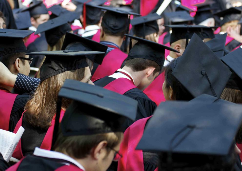 La educación de élite produce borregos excelentes, según un profesor de Yale