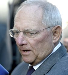 Schäuble, escéptico sobre el acuerdo con Tsipras
