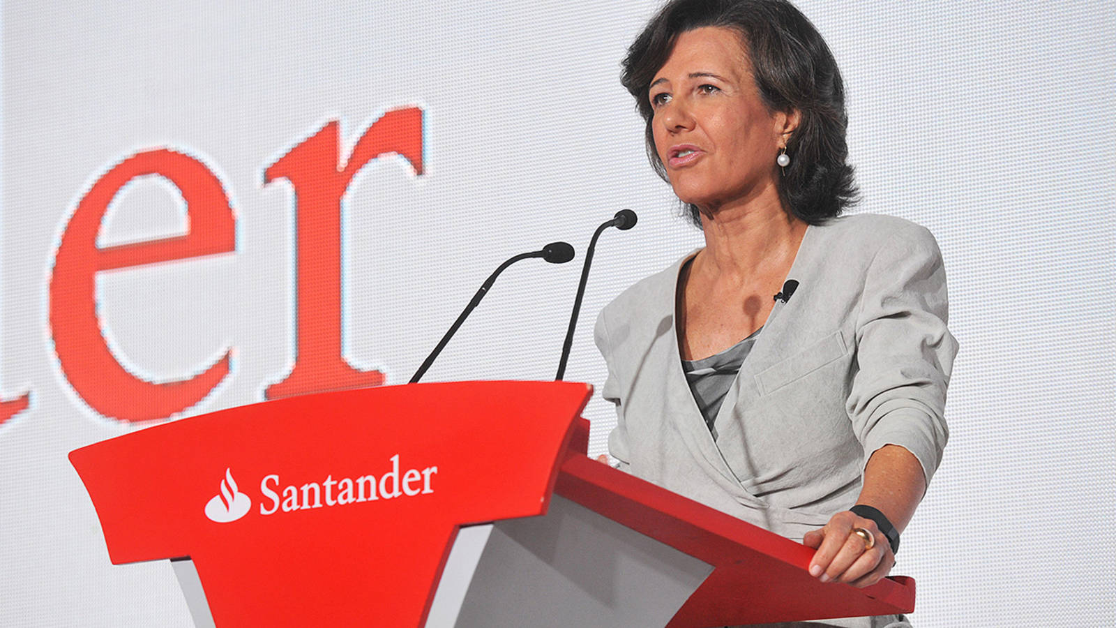 Toda la banca se lanza a robar clientes al Santander tras el comisionazo de la 1, 2, 3. Noticias de Empresas
